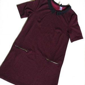 H&M Divided Black & Maroon collar shift dress